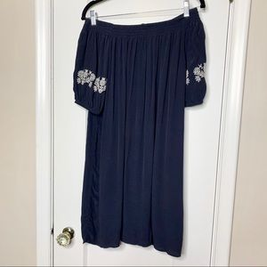 LOFT Dresses - LOFT navy white embroidered off shoulder dress XS